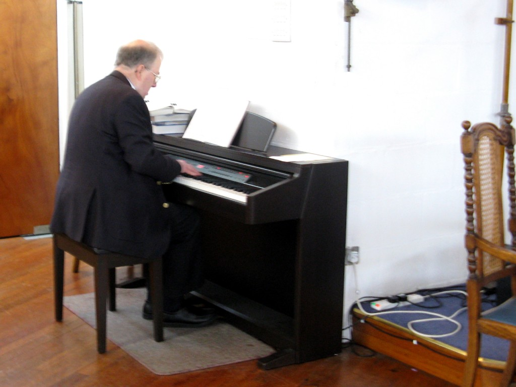Mike Hustwaite at the piano