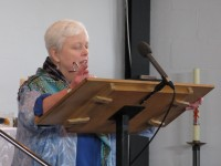 Sue Ann with a prayer in the sermon