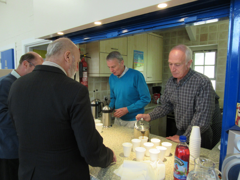 2015-05-02 Men serving tea & coffee