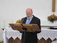 2015-11-28 Chris Esom gives the opening prayer in Watford
