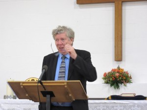 2015-11-28 David leads hymns in Watford