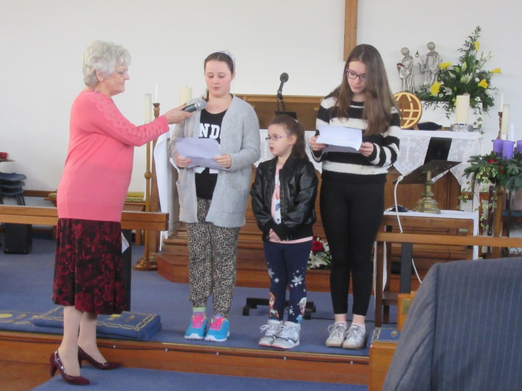 2015-12-19 Watford Service-Children's Presentation