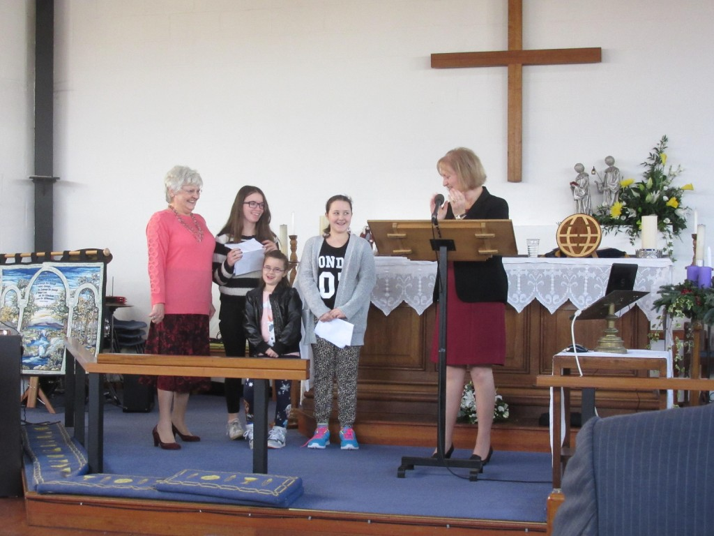 2015-12-19 Watford Service-Children's Presentation-singing a carol