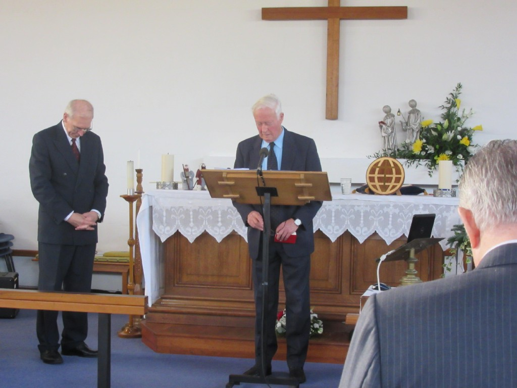 2015-12-19 Watford Service-Robin Howard gives the Opening Prayer