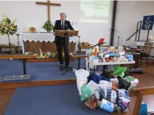 david-silcox-gives-the-sermon-at-the-harvest-service