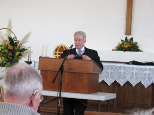 2016-11-26-mike-barlow-gives-the-sermon